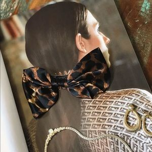 Leopard silk bow hair clip by Henri Bendel 🐆